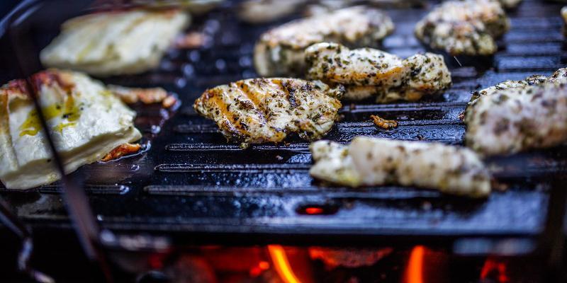 Reteta fara gluten - Pui marinat la gratar cu dovlecei